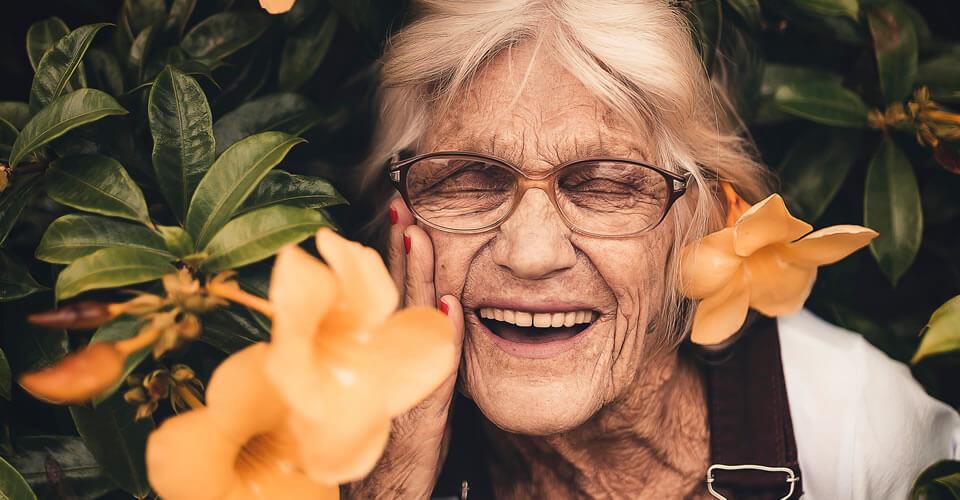 A depressão e uso dos florais de Bach como uma prática complementar no cuidado de idosos asilados